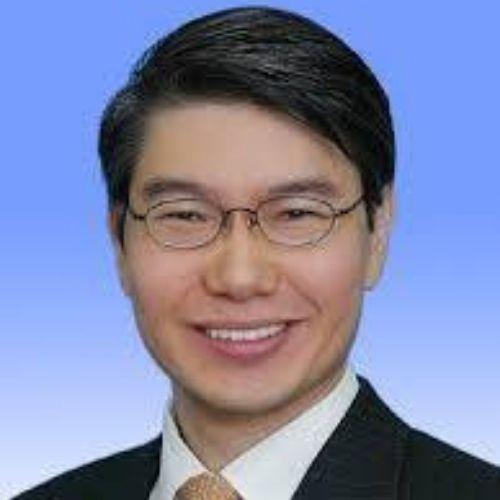 Brian W Tang